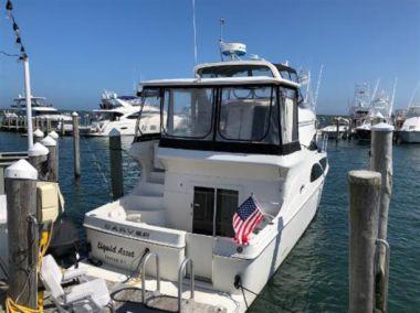 Купить яхту Liquid Asset  - CARVER 41 Cockpit Motor Yacht в Atlantic Yacht and Ship