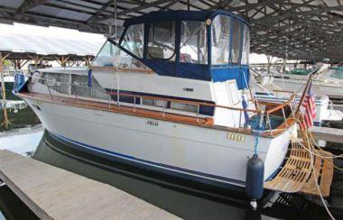 Продажа яхты MY LITTLE ROSE - TROJAN 36 TRI-CABIN