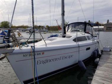 Engineered Escape - HUNTER 336 yacht sale