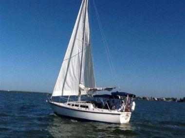 Стоимость яхты Hideaway - CATALINA
