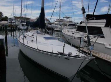 Лучшая цена на Jean Marie - C & C Yachts 1974
