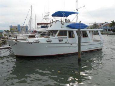 36 1982 Marine Trader Europa Trawler - MARINE TRADER