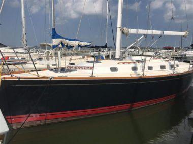 Продажа яхты Applejack - TARTAN 3700