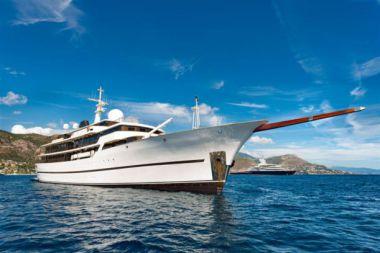 best yacht sales deals CHAKRA - DEVONPORT 1998