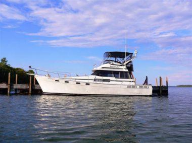 Лучшая цена на 3888 Motoryacht - BAYLINER
