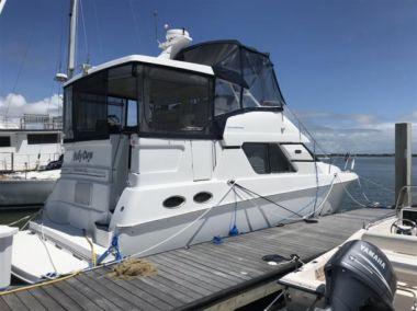 Купить яхту FOLLY DAYS - SILVERTON 392 AFT CABIN в Atlantic Yacht and Ship