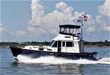 "1999 Legacy Yachts 40 Sedan - LEGACY YACHTS 39' 4"""