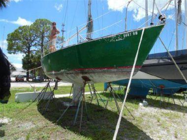"30 1982 J Boats J/30 - J BOATS 30' 0"""
