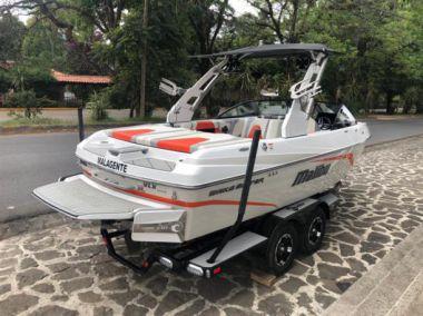 Продажа яхты (casa) 2018 Malibu Wakesetter 21 VLX @ Valle de Bravo