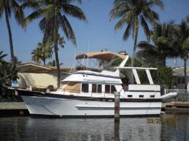 "Продажа яхты Bay Breeze - MARINE TRADER ""40"" Sundeck Trawler"