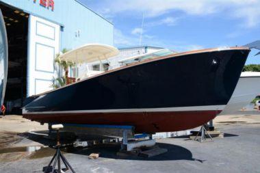 Купить яхту Hinckley Talaria Center Console  в Atlantic Yacht and Ship