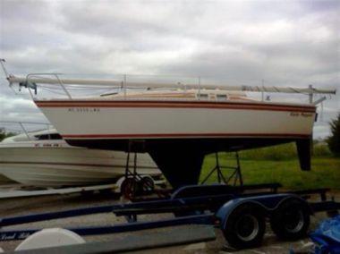 25.5 Sailboat - HUNTER 1984