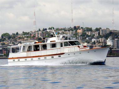 Продажа яхты ABSOLUTE - TRUMPY Trumpy Houseboat