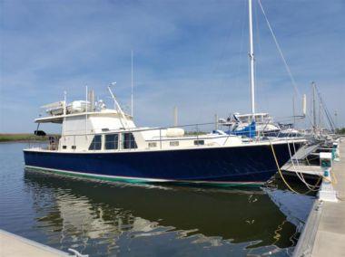 Stevedore yacht sale