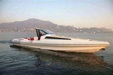 """PZero 1400 Cabin - Pirelli 46' 0"""""""