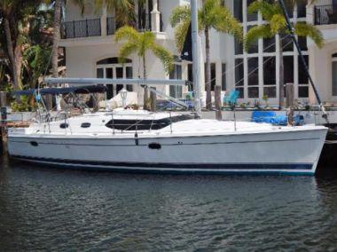 Продажа яхты 45ft 2012 Hunter Deck Salon