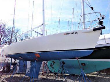 Стоимость яхты La Peri - J BOATS 2003