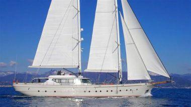 Стоимость яхты Renaissance - CNT Castagnola 2013