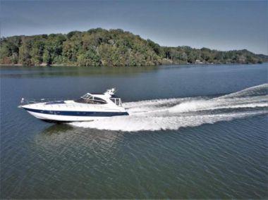 2003 CRUISERS YACHTS Cruiser - Cruisers Yachts