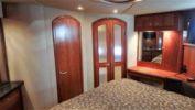 One Love - Cruisers Yachts 2005