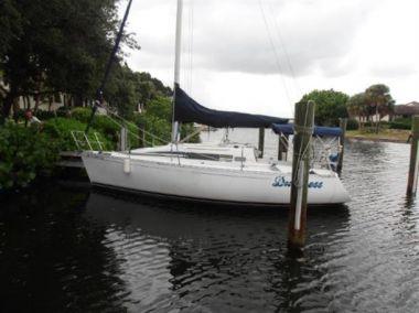 Купить яхту BENETEAU FIRST 285 - BENETEAU FIRST 285 в Atlantic Yacht and Ship