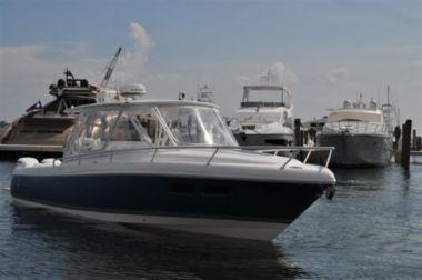 Стоимость яхты Intrepid 375 Walkaround