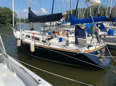 Купить яхту RAZOR'S EDGE - SABRE YACHTS 362 в Atlantic Yacht and Ship