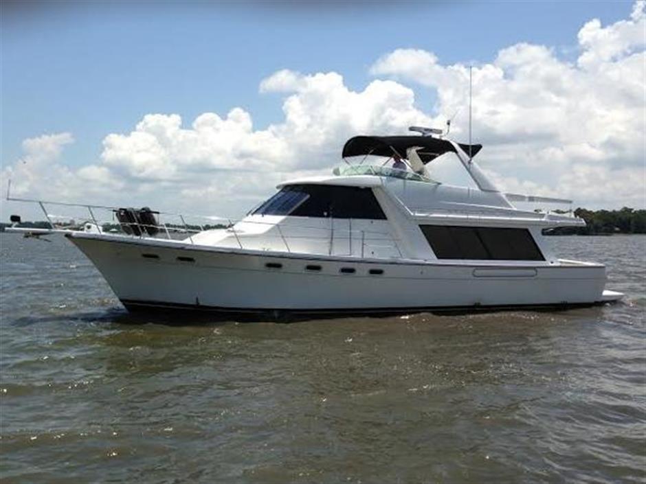 47 Atlantic Motor Vessel: 47ft 2000 Bayliner 4788 Pilot House Motoryacht