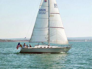 "Jolly Mon - C & C Yachts 35' 0"""