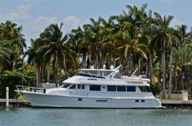 Buy a yacht 74 Sport Deck  - HATTERAS