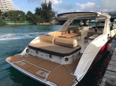 2018 Sea Ray SLX 400 @ Cancun - SEA RAY