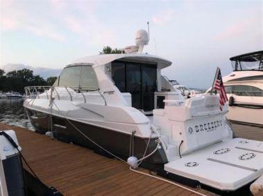 Breezer V - Cruisers Yachts