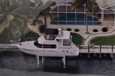 Livin' The Dream - CARVER 356 Motor Yacht