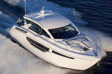 "42 Cantius - Cruisers Yachts 38' 5"""