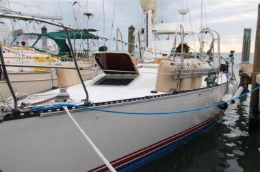 Стоимость яхты Saline Solution - C & C Yachts 1989
