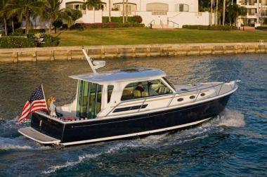 Купить яхту 37 Back Cove In Stock в Atlantic Yacht and Ship