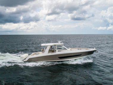 Купить яхту 2016 Boston Whaler 420 Outrage - BOSTON WHALER 420 Outrage в Atlantic Yacht and Ship