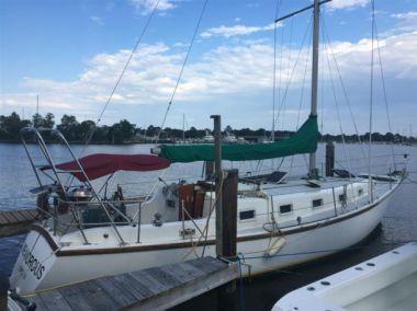 Meandrous yacht sale