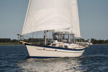Nautorious - IRWIN YACHTS 52 Cruising Yacht