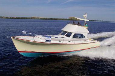 Sea Pause - HINCKLEY Talaria 44 FB