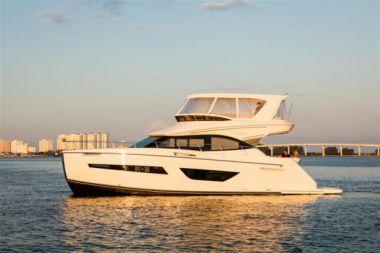 Купить яхту Carver C52 в Atlantic Yacht and Ship