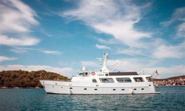 EVA - Torpoint Motor Yacht yacht sale