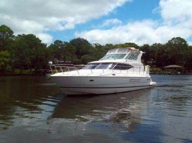 Лучшая цена на Les Stress - Cruisers Yachts 2000