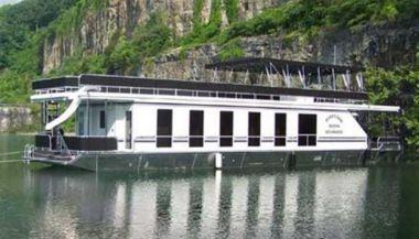 "Стоимость яхты 2012 Majestic 18 x 75WB Houseboat  - Majestic Yachts 75' 0"""
