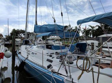 """best yacht sales deals Stenella - Robertson & Caine 63' 0"""""""