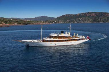 Продажа яхты Amphitrite