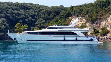 Стоимость яхты Lady P - BUGARI