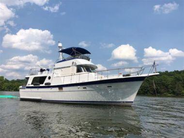 Charismatic - HATTERAS 48 LRC yacht sale