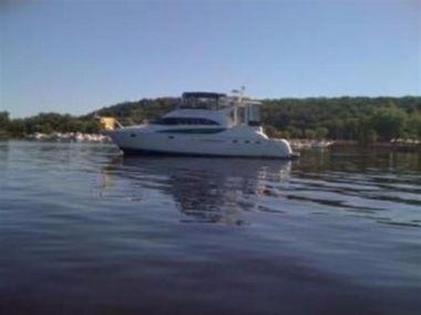 Купить яхту Bella Vista - MERIDIAN 459 Motoryacht в Atlantic Yacht and Ship
