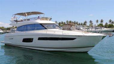 Продажа яхты Prestige 550 Fly